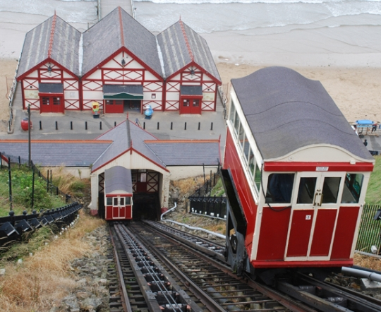 Saltburn's Cliff Lift (c) Alan Southworth 2009